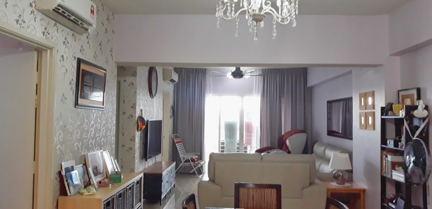 Beautiful reno Suri Puteri Servis Apartment