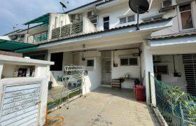 TOWNHOUSE Town Villa Taman Tasik Puchong 7, Puchong – FOR SALE!